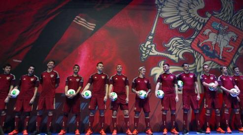 111 52 - Сборная России по футболу представила новую форму