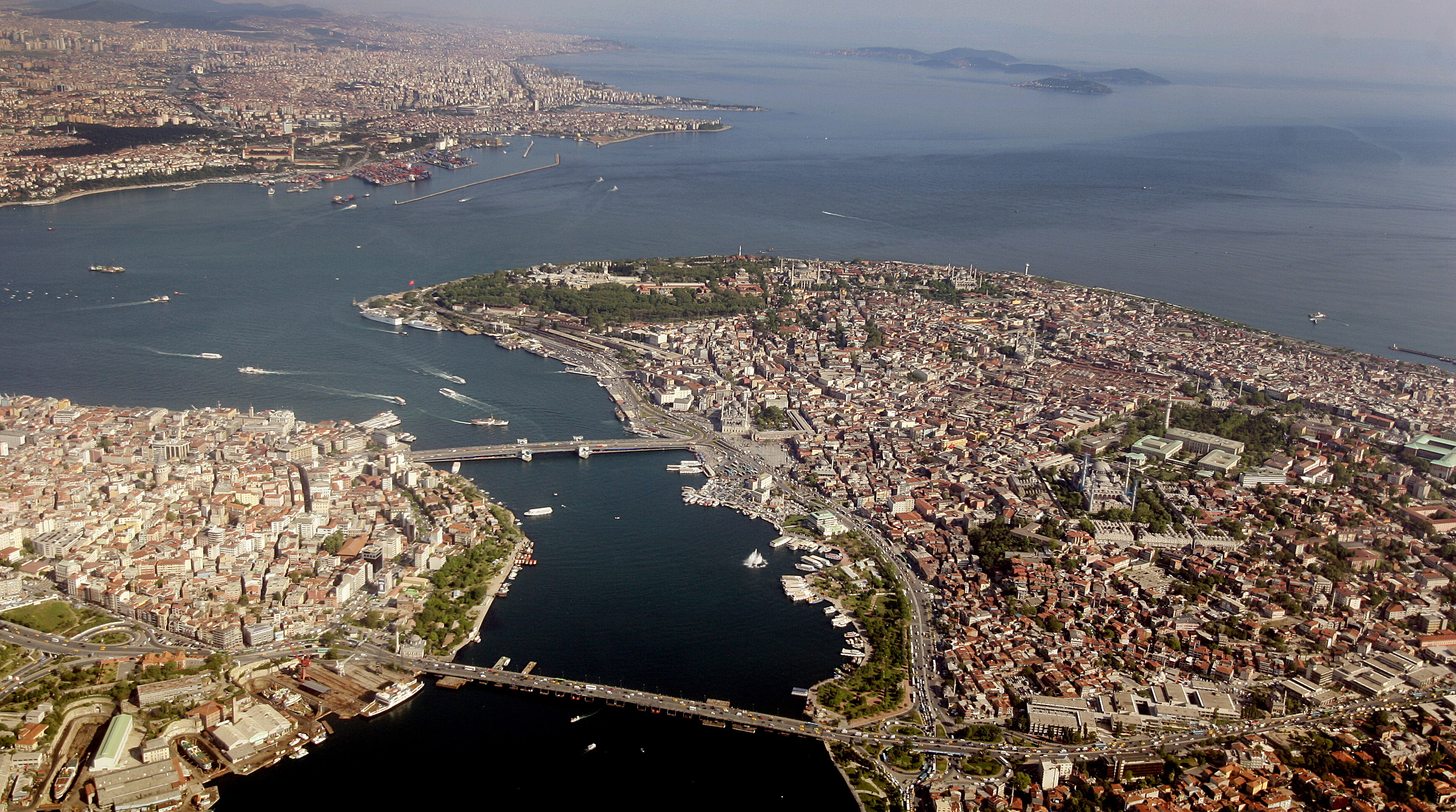 143417133 - Турция начинает принимать украинцев без виз