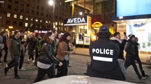 143584972 - В Монреале проходят массовые студенческие беспорядки