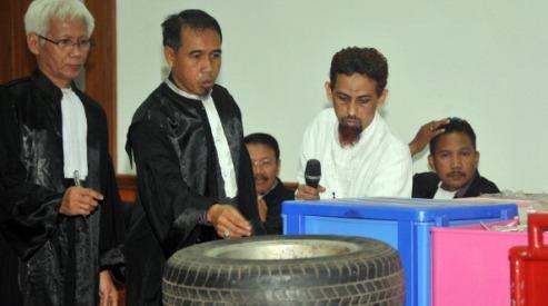 143980083 0 - В Индонезии судят боевика, убившего 202 человека