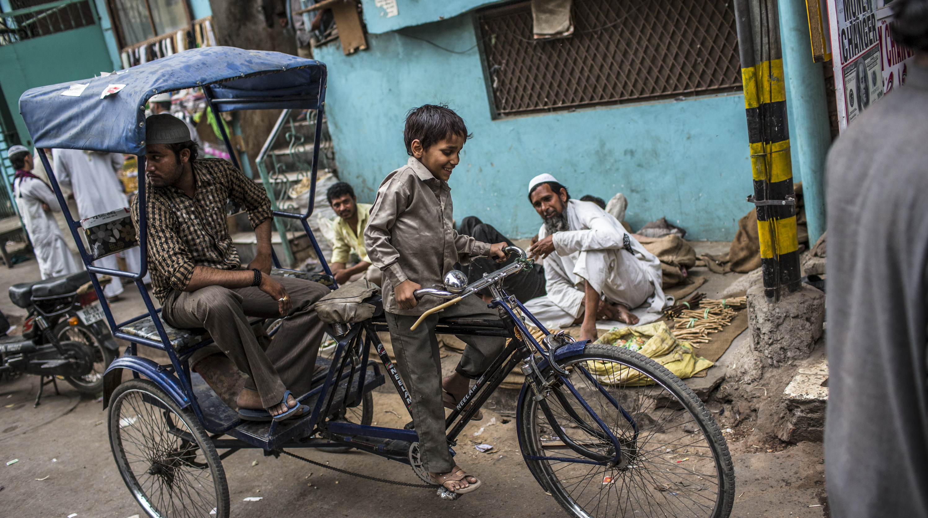 144196174 - Полиция Индии вызволила 17 детей из трудового плена