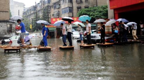 1454282711 - Наводнение и дожди обрушились на юго-восток Китая
