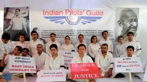 146944187 - Министр авиации встретился с пилотами Air India