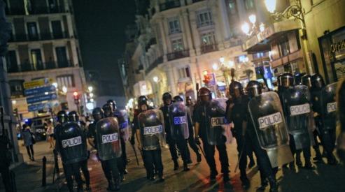 148786849 - Испанцы столкнулись с полицией во время протеста