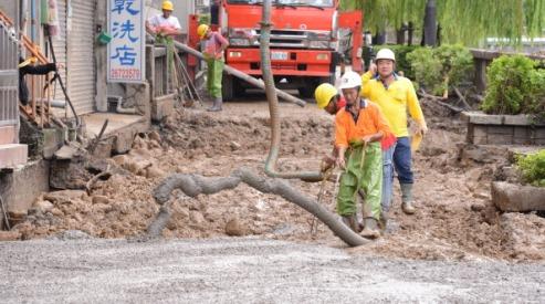149726408 - Разрушительный тайфун «Саола» добрался до Китая