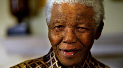 150339051 - Нельсон Мандела встречает Рождество в больнице