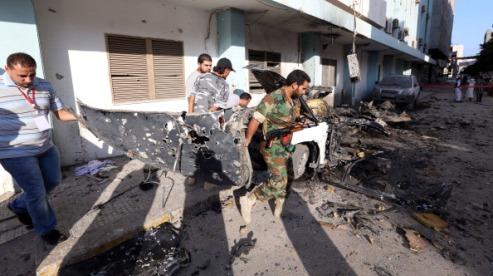 150469279 - В Триполи 16 человек ранены в ночном бою