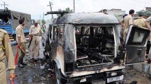 150512947 - Конфликт между верующими и властями вспыхнул в Индии