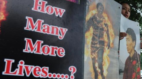 150912687 - За неделю в Тибете совершенно семь самосожжений