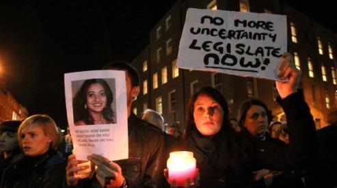 156387492 - Гибель индийской женщины меняет законы в Ирландии?