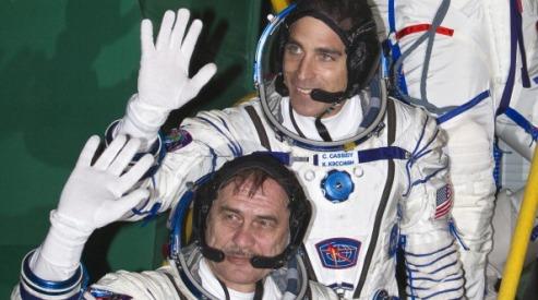 164816339 - Космонавты возвращаются с МКС на Землю