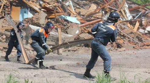 3195252414a926ed11f71a1fc4ab16fc - На Кузбассе после землетрясения сносят дома