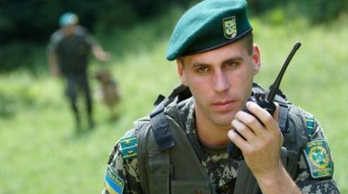 333 31 - Россия отгораживается от Украины колючей проволокой