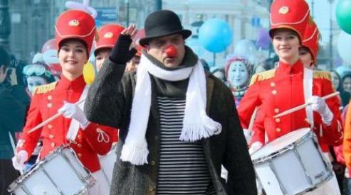 444 77 - В Санкт-Петербурге 1 апреля отметят парадом клоунов