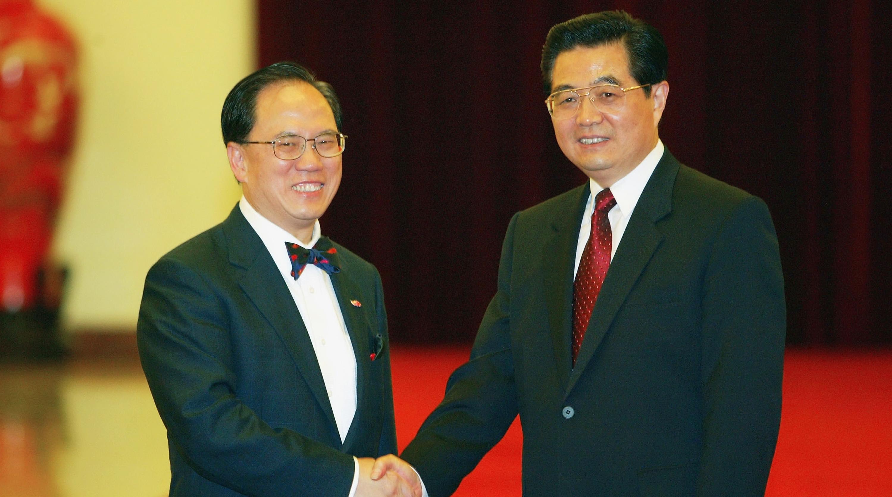 52832607 - Ху Цзиньтао прибыл в Гонконг