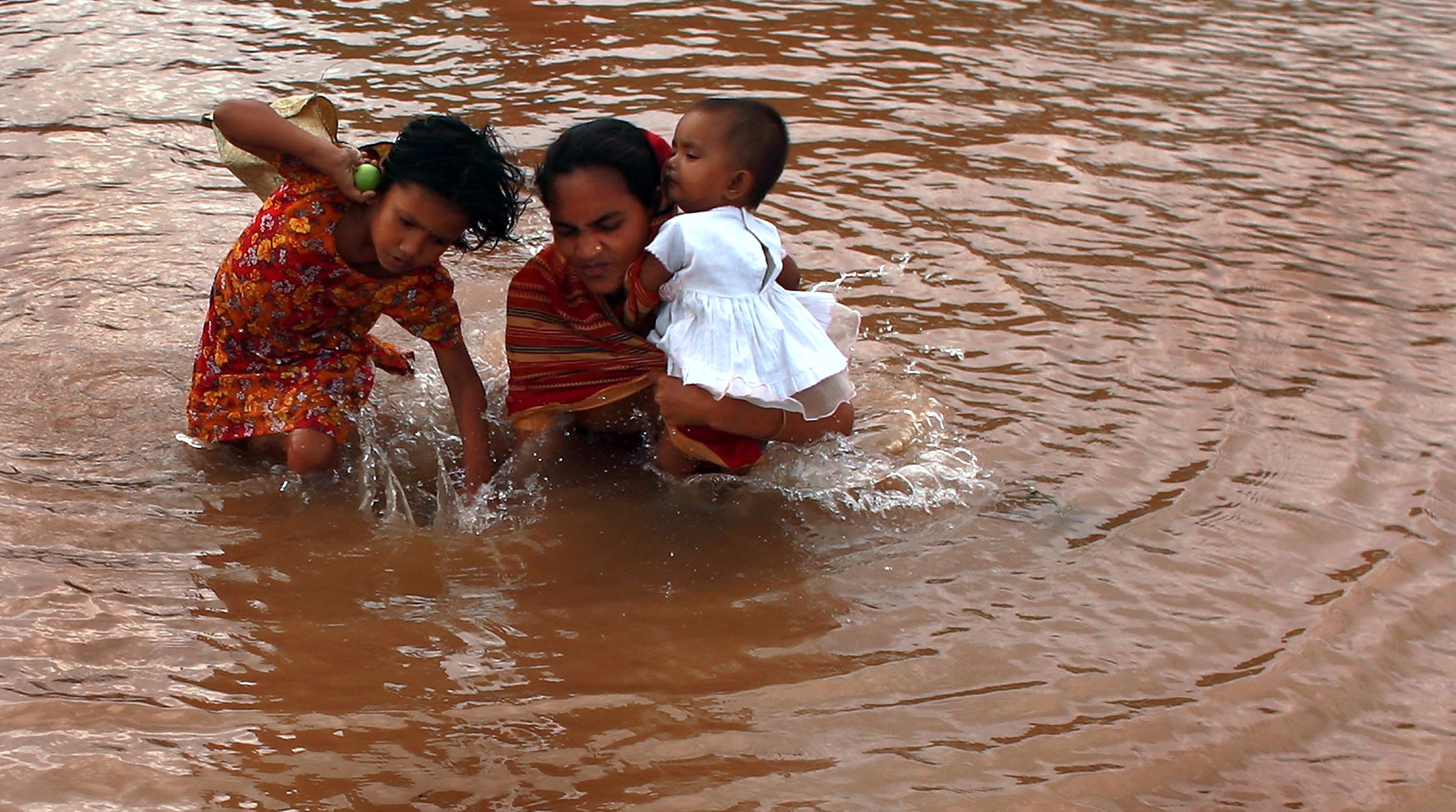 82063813 - В Бангладеш в ходе наводнения погибли 110 человек