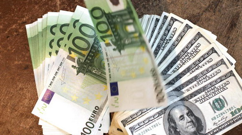 banknoty - Доллар и евро снизились до январских минимумов