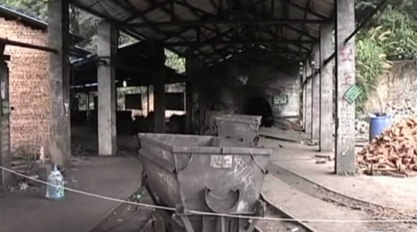 bezymyannyy 18 - 7 шахтеров погибли от выброса газа в Хунань