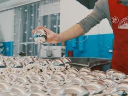 Как изготавливают ёлочные шары в Украине