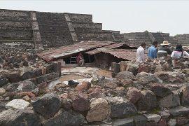 Возле пирамиды Луны в Теотиуакане идут раскопки