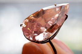 Грушевидный розовый бриллиант продан за $31,5 млн