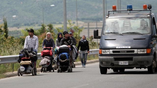 Эвакуация беженцев в Идомени проходит спокойно