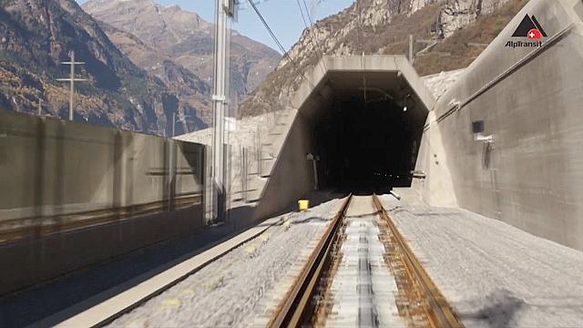 Швейцария пробурила самый длинный в мире тоннель