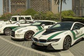 Полиция Дубая ездит на Bentley, Bugatti и Porsche