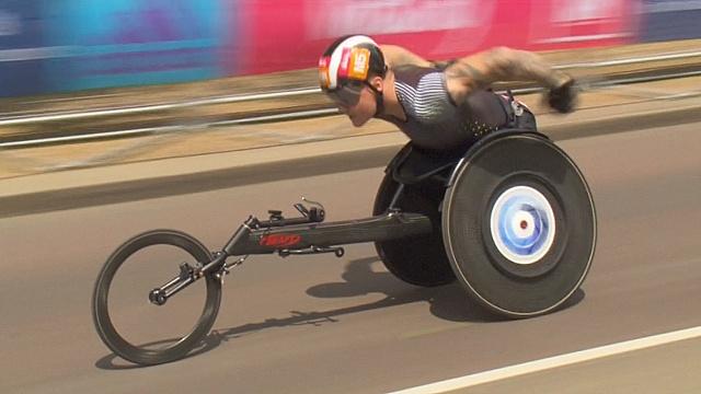 Рекорд в инвалидной коляске установили в Лондоне