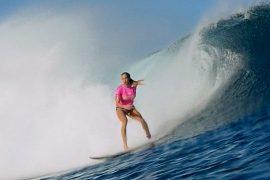 Серфингистка без руки обошла чемпионку мира