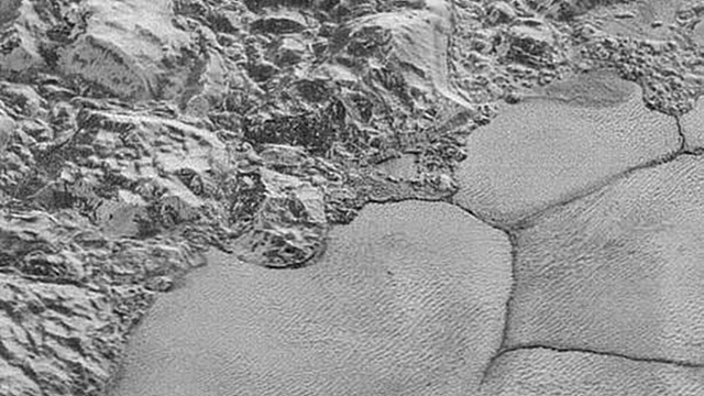 НАСА сделало видео поверхности Плутона в деталях