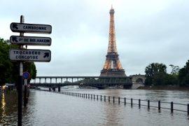 Наводнения во Франции: тысячи эвакуированных