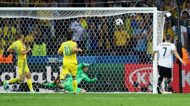 Евро-2016: Германия обыграла Украину