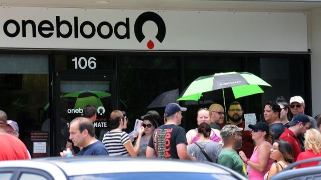 Стрельба в клубе Орландо: сотни людей сдают кровь
