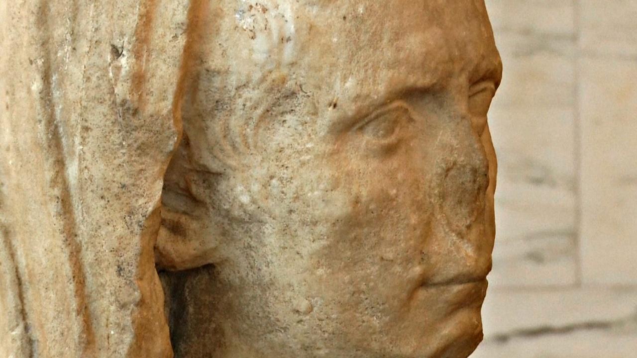 Италии вернули похищенный бюст римского императора