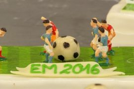 В Мюнхене пекут торты на тему Евро-2016