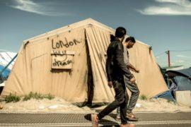В Кале не хотят задерживать мигрантов ради Лондона