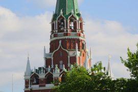 Цена на нефть обостряет дефицит в России