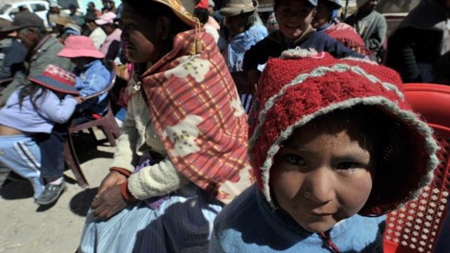 В горах Перу из-за холода гибнут дети