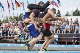 В соревновании по переноске жён победили россияне