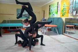 На пути к мечте: пот и боль акробаток Монголии