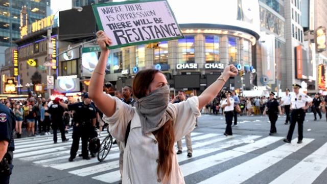 В Нью-Йорке протестуют против убийства темнокожих