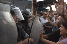 В ходе беспорядков в Ереване пострадали 50 человек