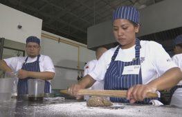 Бедных мексиканцев бесплатно обучают на поваров