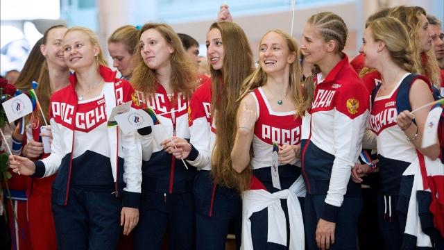 Российские спортсмены вылетели на Олимпиаду в Рио