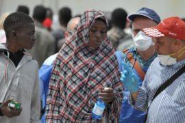 1000 мигрантов спасли в Средиземном море за день