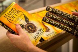 Новая книга о Гарри Поттере стала в Великобритании хитом