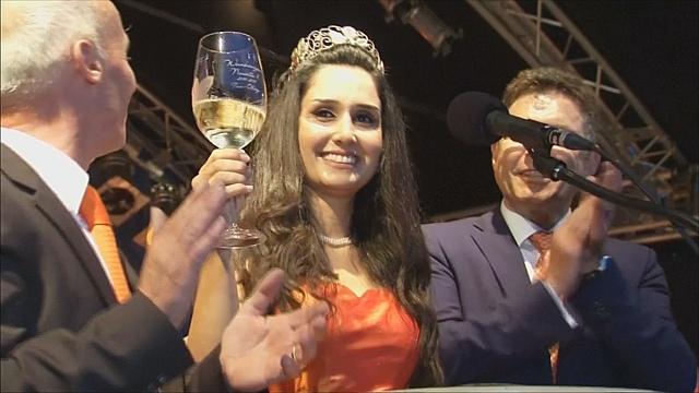 В Германии корону «винной королевы» надели беженке