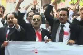Юристы Пакистана протестуют после теракта
