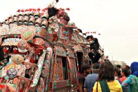 Автобусные экскурсии знакомят туристов с Карачи